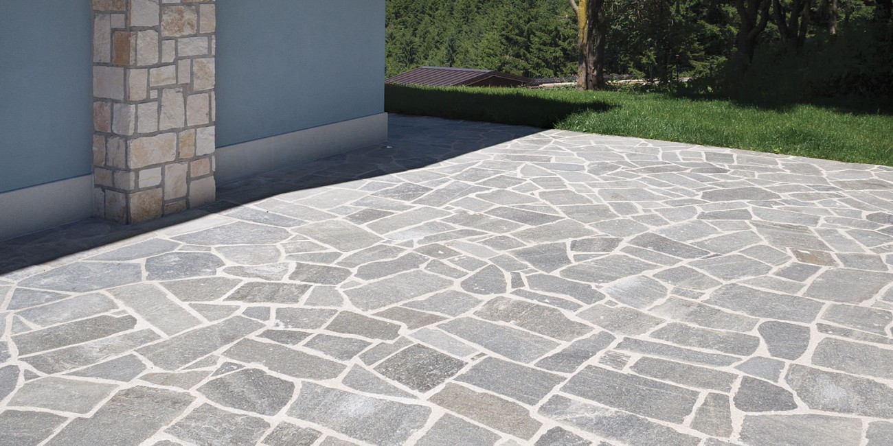 Pietra Naturale Caravaggio pavimento
